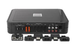 Лучший автомобильный усилитель Alpine PDX-V9.